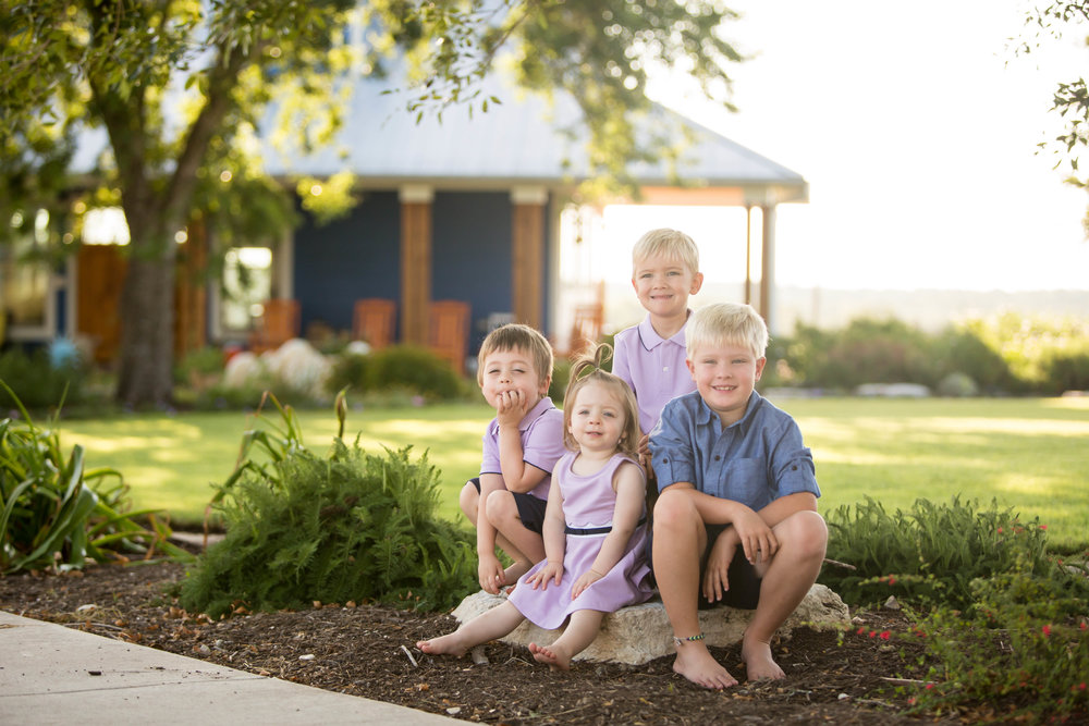 Marble_Falls_Family_Photographer_Farm_Jenna_Petty_01.jpg