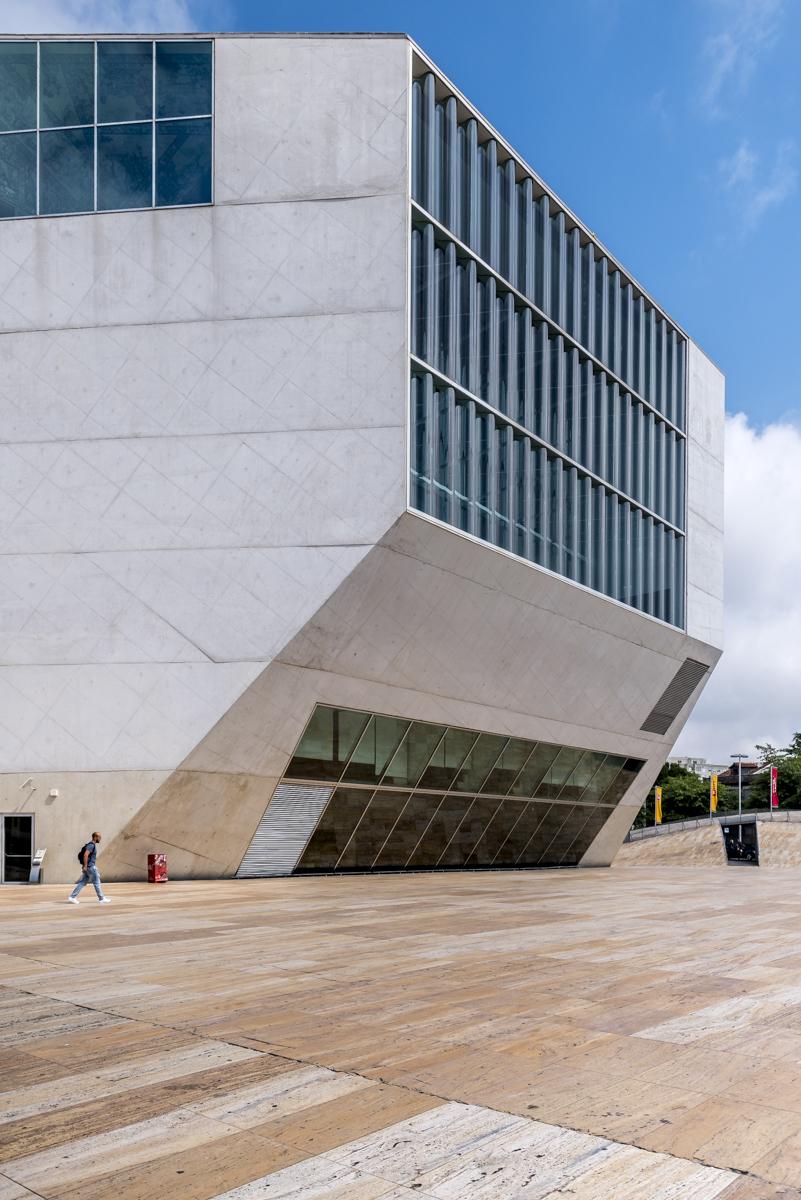 201707 Rem Koolhaas, Casa da Musica-08.jpg