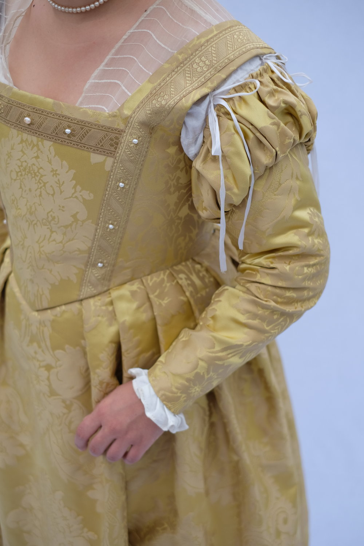 1550's Florentine Gown