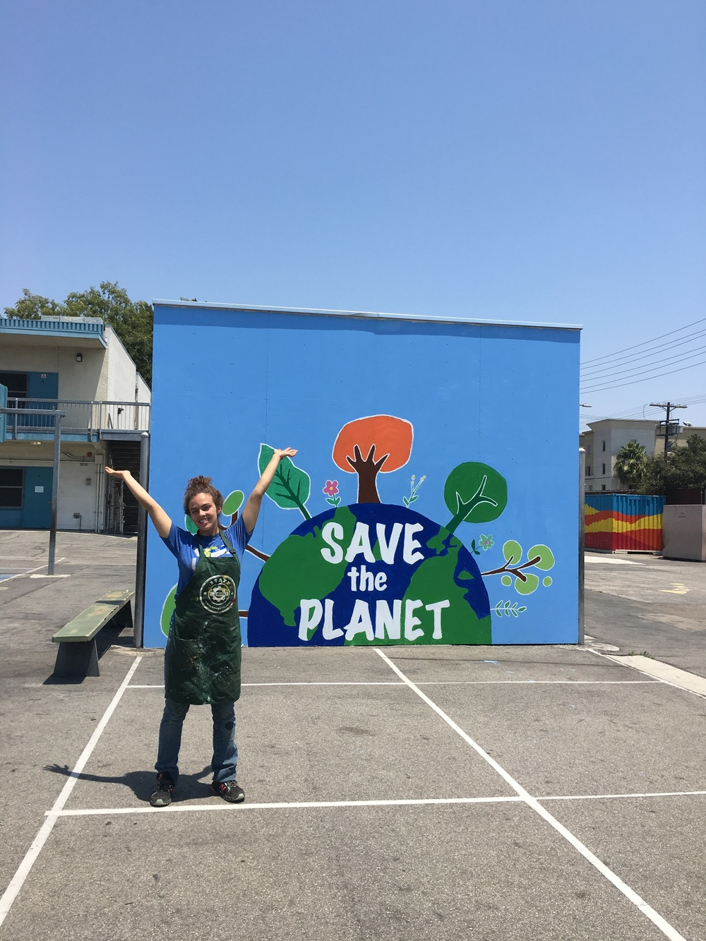 Lauren organized a day of service for Sunset Gower employees to beautify Ramona Elementary. The group painted 4 handball court murals, planted 7 succulent gardens, landscaped, built 2 planter benches, painted 6 benches and installed an aeroponics edible garden unit (donated by LA Urban Gardens)!