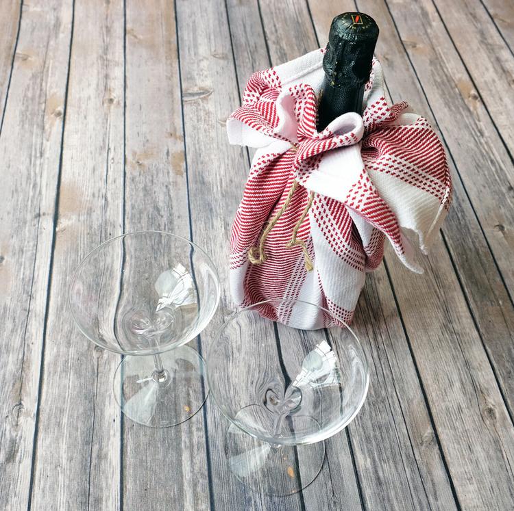 teatowels3-winewrap-redtwill-DSCF2908-sm.jpg
