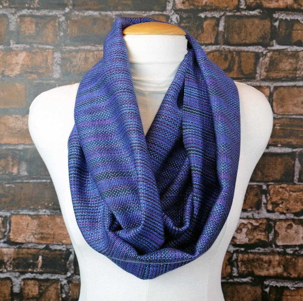 scarf-infinity-bluevariegated-DSCF6936.jpg