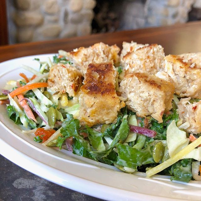 Summertime means salad time.  Top it with our Southwest Chipotle Chicken Patty for a high protein, low calorie meal. #hungryplanetchicken #cleanprotein #salad