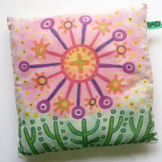 A small pillow I made a few years ago.  #tbt #handmade #handpainted #sun #nature #mynorth #pillow  #marianaoppel