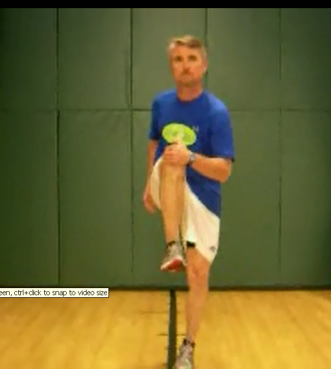 opposite knee grabs