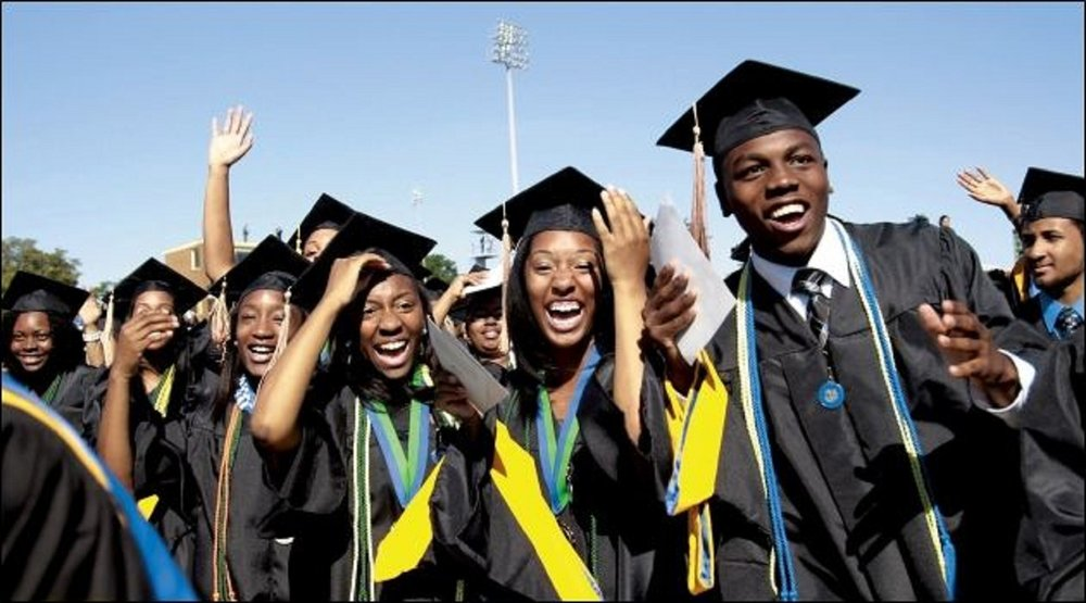 african-american-college-graduates-from-hbcu-hampton-university.jpg