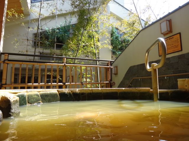 The Golden Hot Spring outdoor style at Shimizuyu ©www.shimizuyu.com