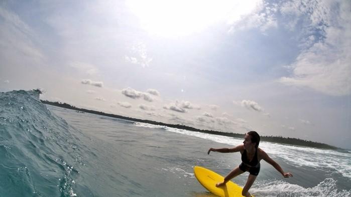angie_togat_nusa_surf_18eupt8-18euptc.jpg