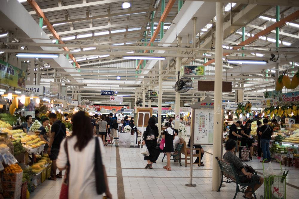 Or Tor Kor Food Market