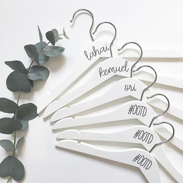 Love these beautiful hangers from @itsahaslamthing - such a great idea for organizing your outfits! . . . . . . . #organizedjanestoller #organizingtips #organizedlifestyle #organized #organizedlife #organizedhome #organizedliving #getorganized #professionalorganizing #organizedspace #hanger #hangers #wardrobeessentials #organizedcloset #closetorganization #clothingrack #designerclothes #declutteryourhome #declutter #decluttering #organizinghelp #organizingfun #organizingchallenge #organizedbyjane #loveorganizing #beorganized #stayorganized #organizedsimplicity