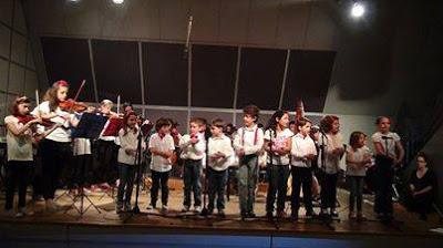 Στην παιδική νεανική χορωδία που απευθύνεται σε παιδιά από 7 – 15 ετών 0cf8ea1fcb1