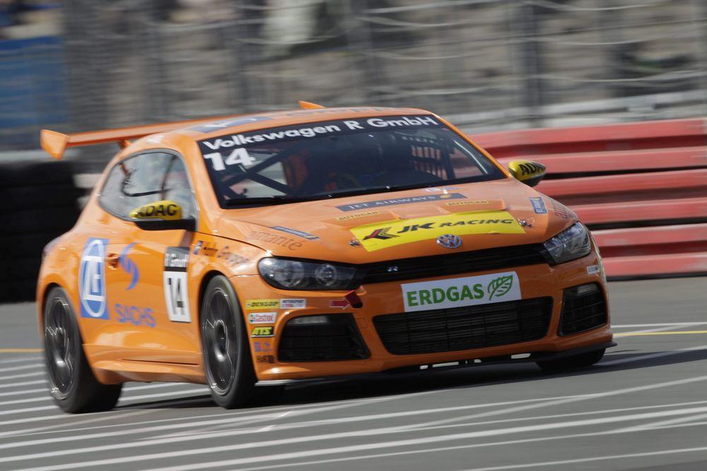 Aditya-Patel-Racing-2011