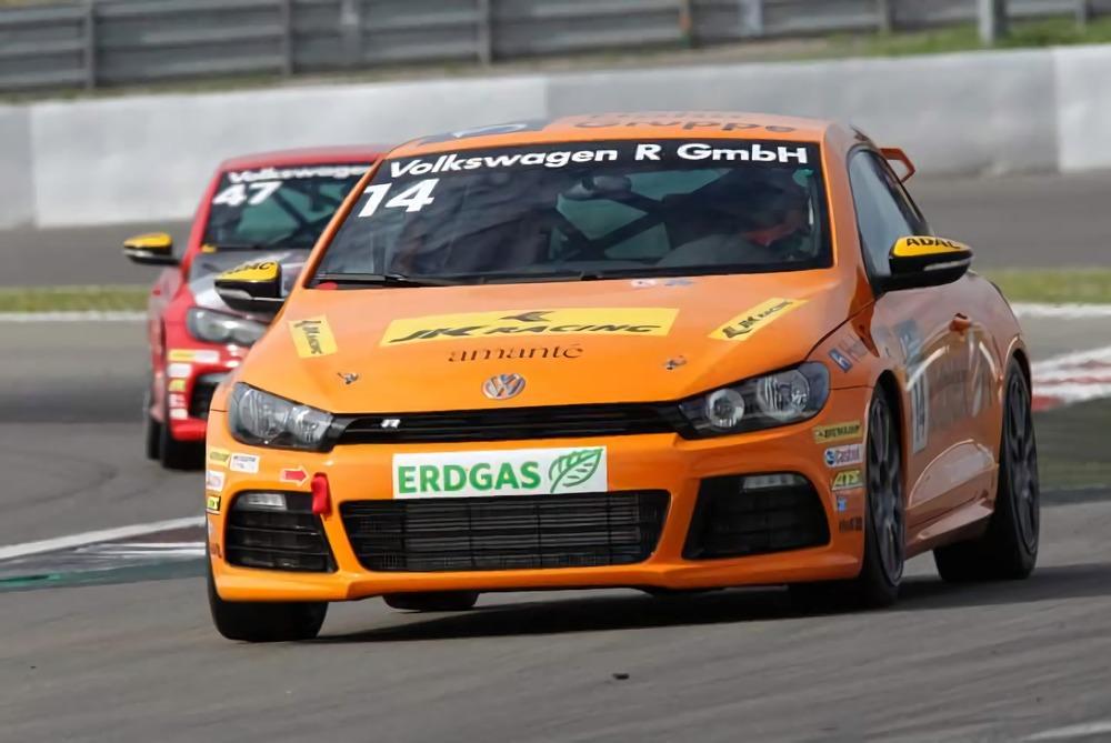 Aditya-Patel-Racing-2010