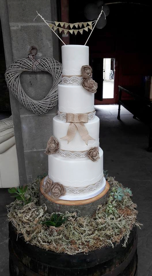 burlap hessian rustic wedding cake - rosewood cakes glasgow scotland - errol park estate weddings