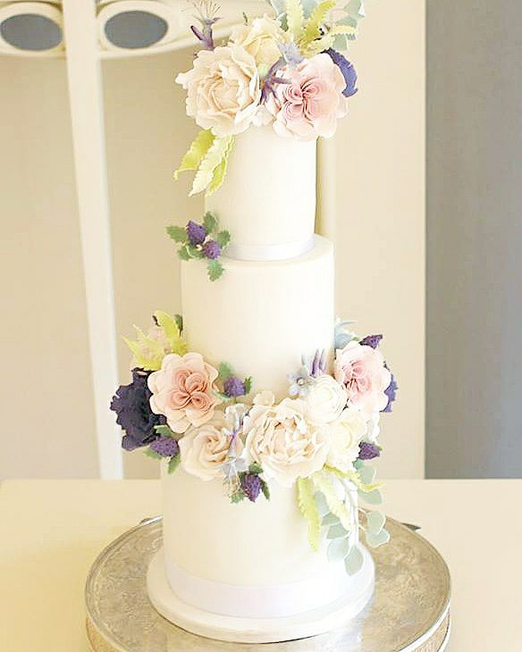 blog 1 rosewood wedding cakes.jpg