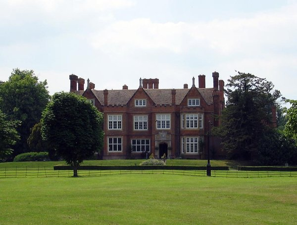 Bourn Hall Clinic (2005) – WikiMedia Commons