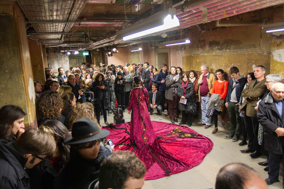 "Opening night of Salon Mashup. Start of ""The Road to Ras al-Ain"" (costume design by Alexandra Kharibian, performed by Lucine Hakobyan). © Armenian Institute"