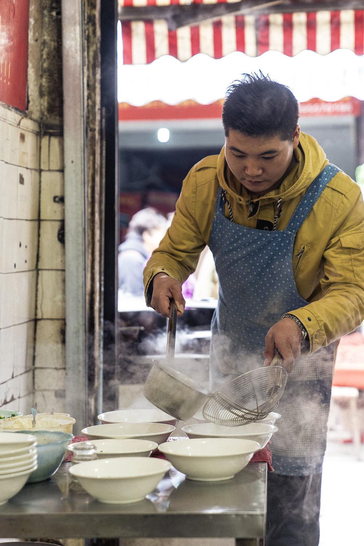 suzhou_market_wanton_soup_stall