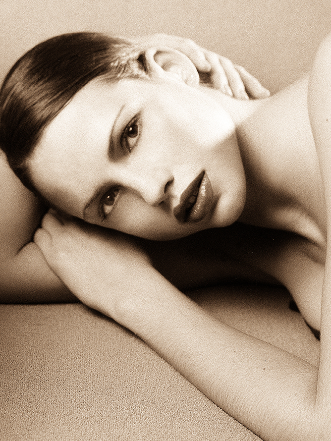 Kate B&W Beauty11x14crp.jpg