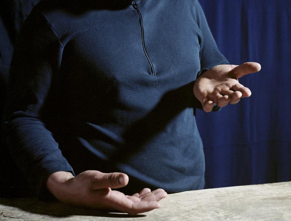 mains bleues 002_18x23.jpg