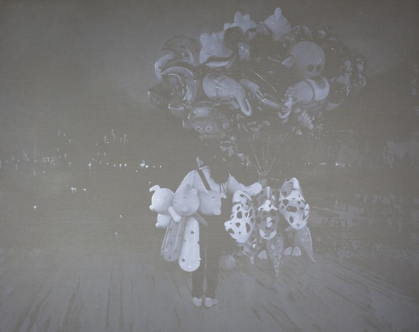 "Mingjun Luo, ""Little balloon seller"", huile sur toile, 240x190 cm, 2012."