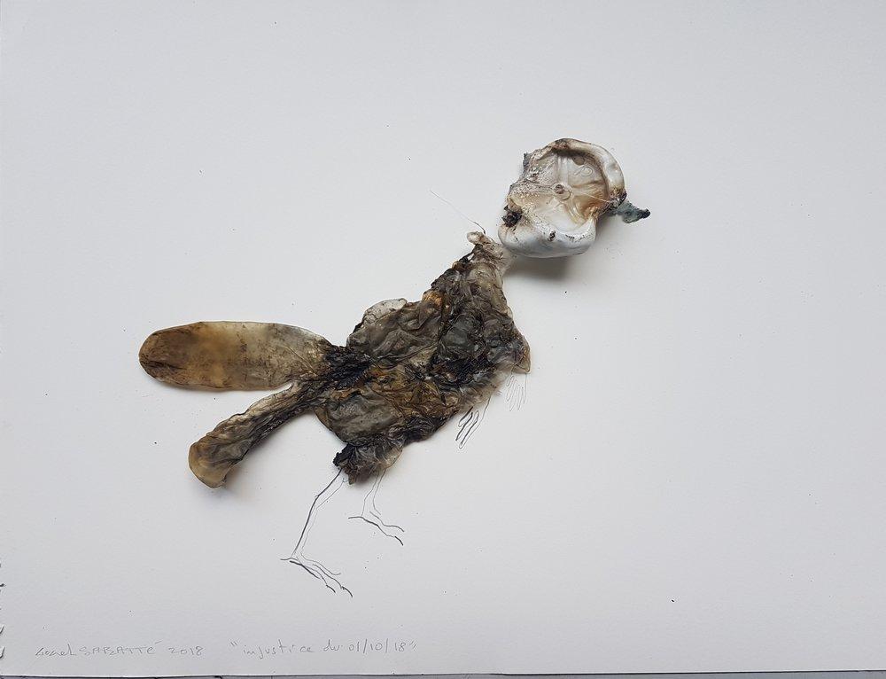 """© Lionel Sabatté, """"Injustice du 01/10/18"""", plastique brûlé et crayon sur papier, 30x40 cm, 2018 Courtesy Galerie C"""