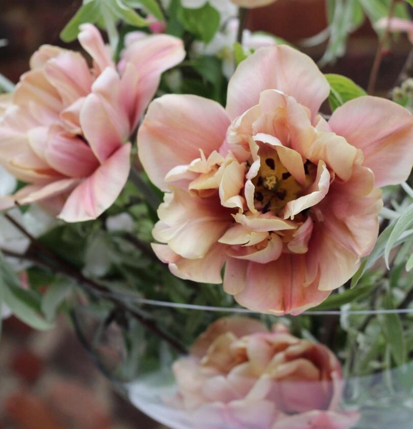 Tulip-centrepiece-Botanika (1).jpg