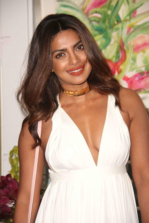 Priyanka-Chopra_-Guild-Hall-Summer-Gala-2017--03.jpg