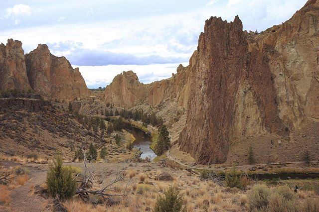 Smith Rock in the high desert of Oregon #smithrockstatepark #monkeyface