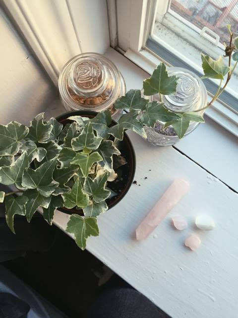 Rose quartz (pink) and Selenite (white)