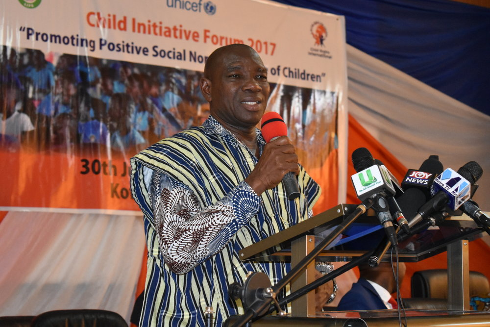 Eastern Regional Minister- Hon. Dr Kwaakye Darfour addressing participants