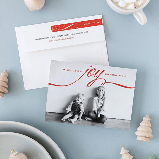 @minted is having their annual Friends and Family Holiday Event! They are offering 25% off all holiday cards and gifts. This is their best offer, exclusively for friends and family of Minted employees and artists. Direct message me for the promotion sign-up link. When you enter your email address, you will receive a personal code for 25% off that expires Tuesday, November 20, 2018. If you are waiting for your family pics, you can always Buy Now, Personalize Later! 🎄(featured above is my design, 'decadent,' exclusively for @minted)