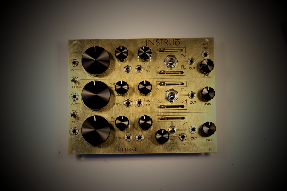 Custom shop - brass plate, black aluminium knobs