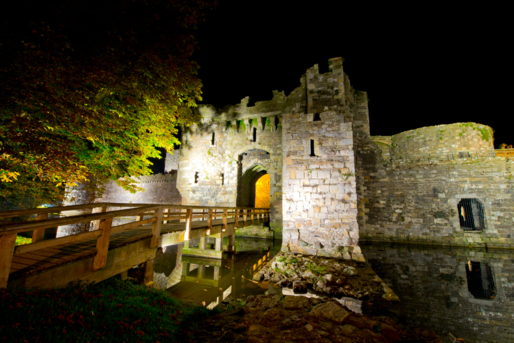 Beaumaris_Castle.jpg