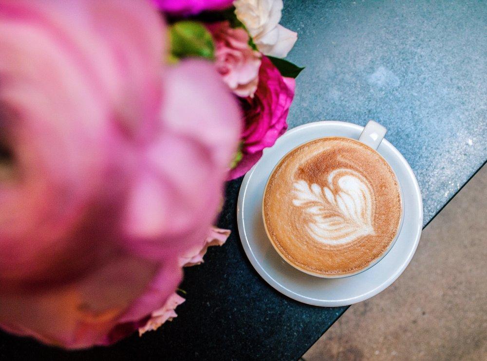 Caffe Luxxe Latte 2