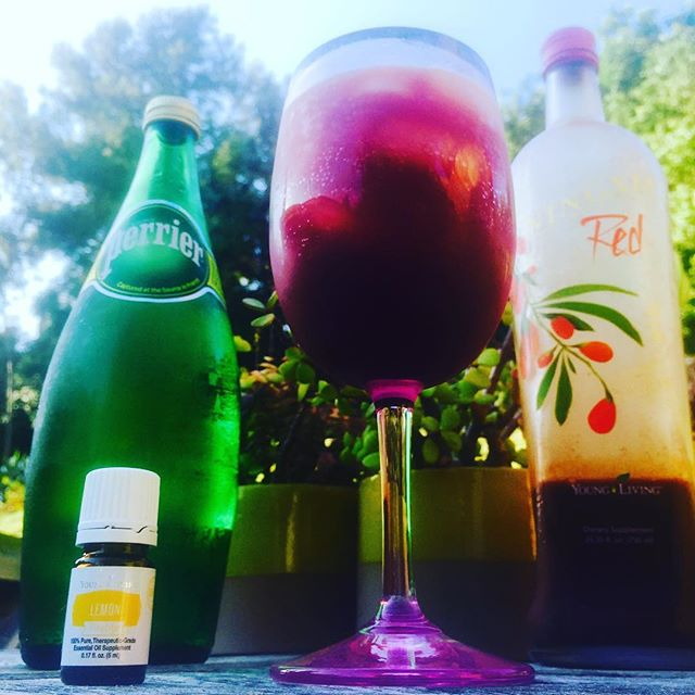 Enjoying one of my favorite things: sipping on a healthy mocktail whilst watching the sprinklers go from side to side. You don't have to close your eyes to meditate, ya know.  #youngliving #essentialoils #health #wellness #balance #fitness #motivation #energy #energywork #reiki #meditation #visualize #relax #chill
