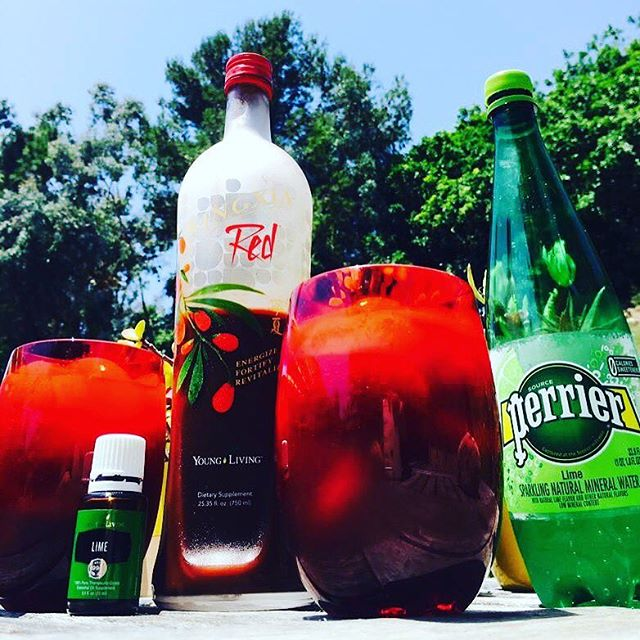 Enjoying one of my favorite things: sipping on a healthy mocktail whilst watching the sprinklers go from side to side. You don't have to close your eyes to meditate, ya know. Diffusing the Lime, slow-drinking the Ningxia. But, you can add a drop of YL's Lime Vitality to your wolf berry mocktail!  #youngliving #essentialoils #health #wellness #balance #fitness #motivation #energy #supplements #wolfberry #tangerine #lemon #lime #blueberries #pomegranate #cherries #antioxidant #mocktail #mocktails #delicious #invigorating #healthyimmunesystem #healthyimmunities #healthyfood #goodforyou #goodforme #yum #cheers #justsniffingthislimeoilasachaser