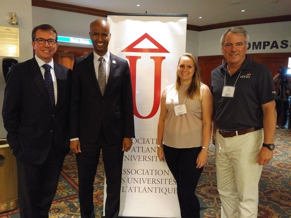 (De g. à d.) l'honorable Scott Brison, l'honorable Ahmed Hussen, Mischka Jacobs et Doug Robertson au Sommet des leaders atlantiques à Halifax le 10 juillet 2017