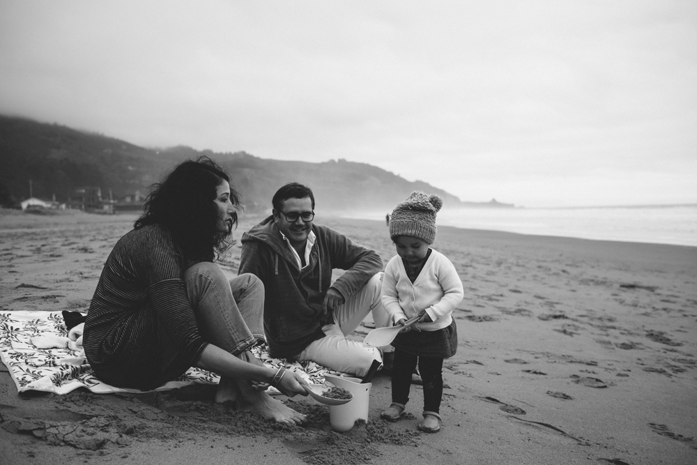 Stinson Beach Family Documentary Rachelle Derouin Photography-40.jpg