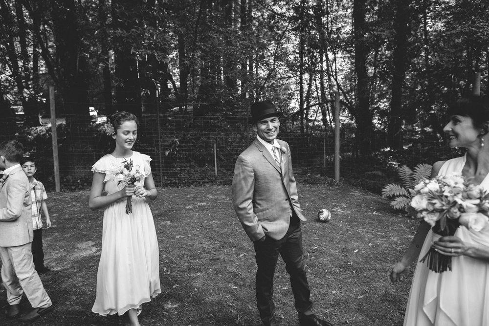 Sebastopol Backyard Wedding Rachelle Derouin Photographer-14.jpg