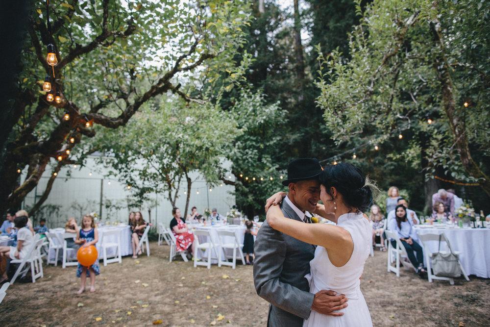Sebastopol Backyard Wedding Rachelle Derouin Photographer-61.jpg