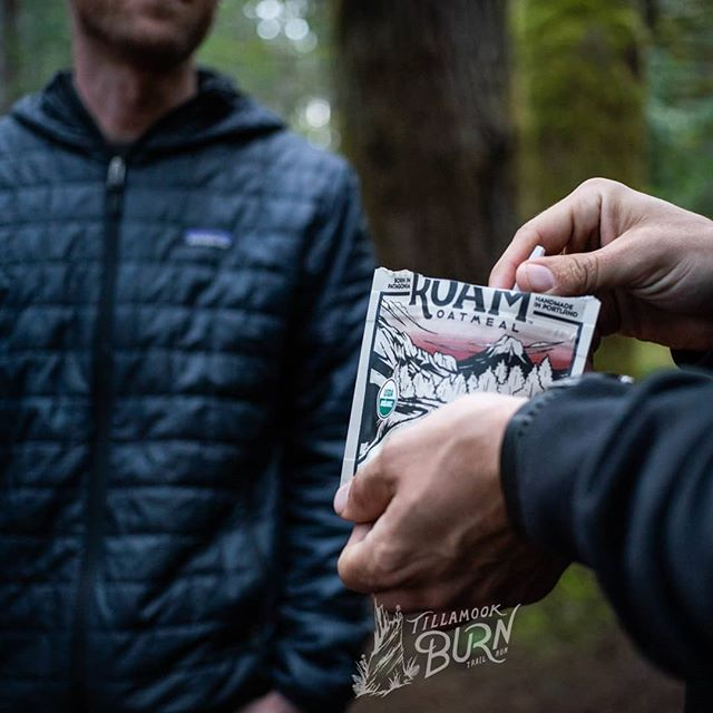 📷: @pursuitfilms. Conversing over some Roam Oatmeal prior to the Tillamook Burn trail race. ⠀⠀⠀⠀⠀⠀⠀⠀⠀ Oatmeal is a great pre-run breakfast. We were careful to formulate Roam Oatmeal to have enough calories and nutrition to give you a good start to your day, but to also not sit heavily in your stomach. Russell has tested that extensively, including at the Tillamook Burn and the Portland Marathon. Give it a try for your next race or long run! #wakeupandroam #trailrunning #tillamookburn ⠀⠀⠀⠀⠀⠀⠀⠀⠀ #trailfuel #trailready #organic #glutenfree #madeinoregon #madeinpdx #madeinportland #buylocal
