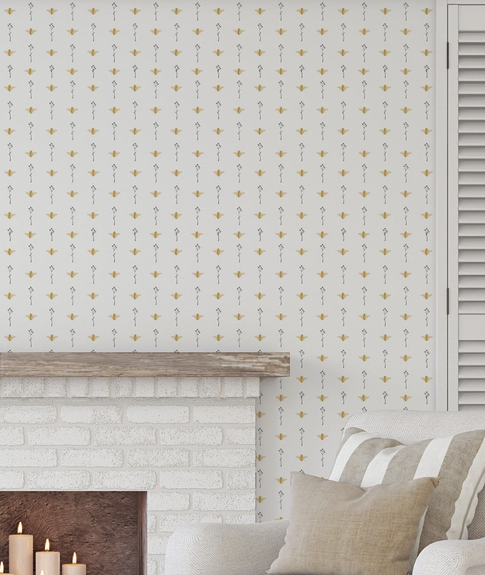 Cute Bee Wall Paper.png
