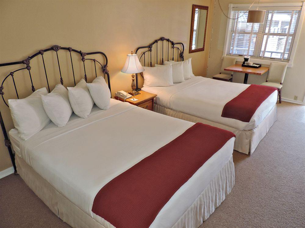 telluride-hotel-room-example-snowjam