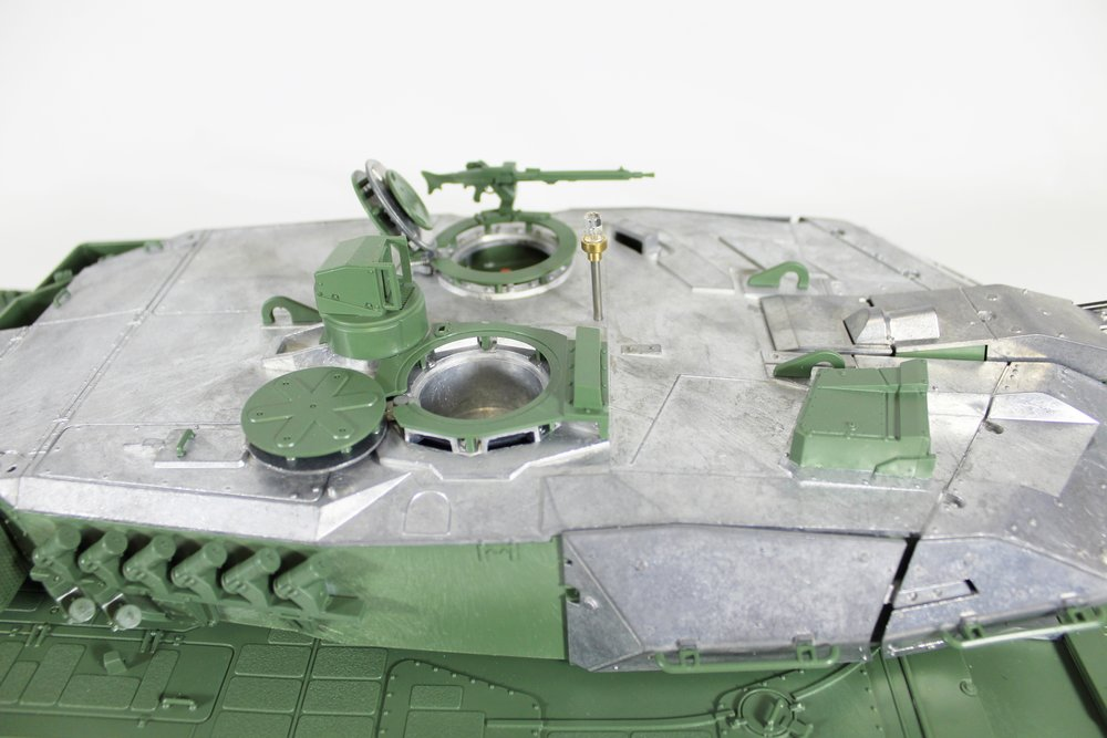 Taigen Leopard 2A6 002.jpg