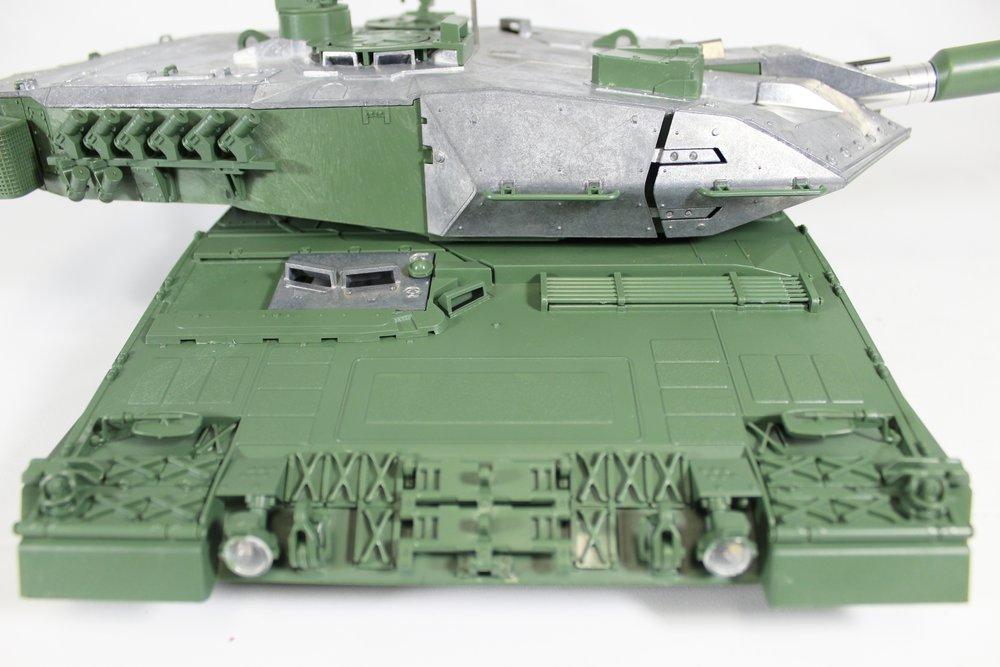 Taigen Leopard 2A6 020.jpg