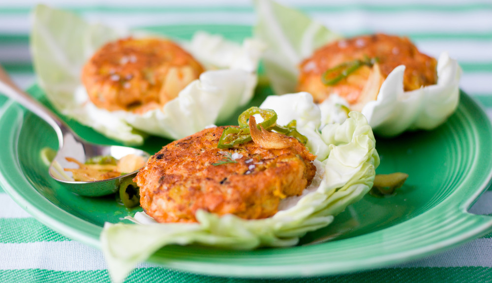 SALMON CAKES WITH TURMERIC GARLIC