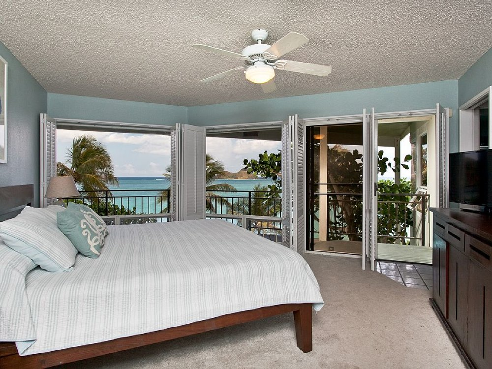 Hawaii bedroom.jpg