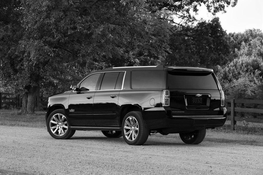 2015-chevrolet-suburban-texas-edition-02.jpg