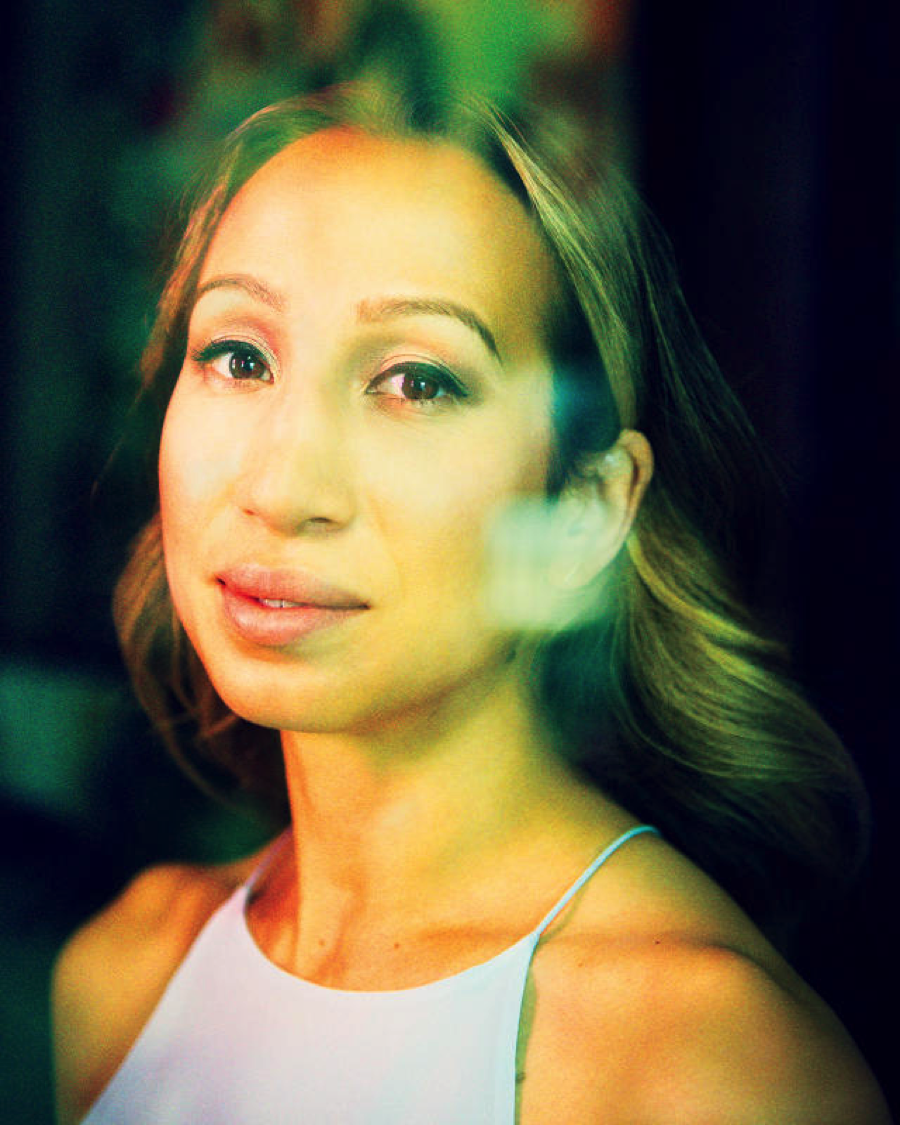 """Thea is an amazing stylist – I highly recommend her for anyone who appreciates fashion and style, but doesn't necessarily have the time or skills to pull it all together :) She has better fashion sense than anyone else I know! More importantly, she knows how to find the fashion sense that works for you. Every client needs something unique, and Thea takes the time to learn what you need and develop a program that is perfect for you."""